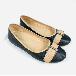 Naturalizer contour leather round toe buckle flats